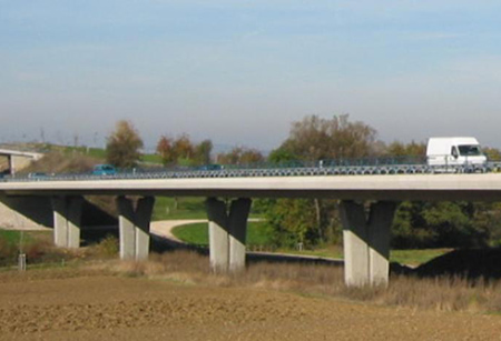 29-Slender-Pre-Stressed-Concrete-Viaduct-01-s